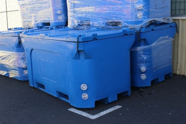 commercial-grade-and-size-insulated-bins-quality-range-from-100lt-1700lt